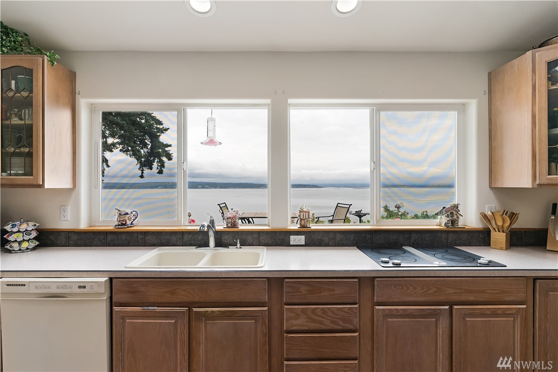Fantastic Bluff home with Unobstructed Views