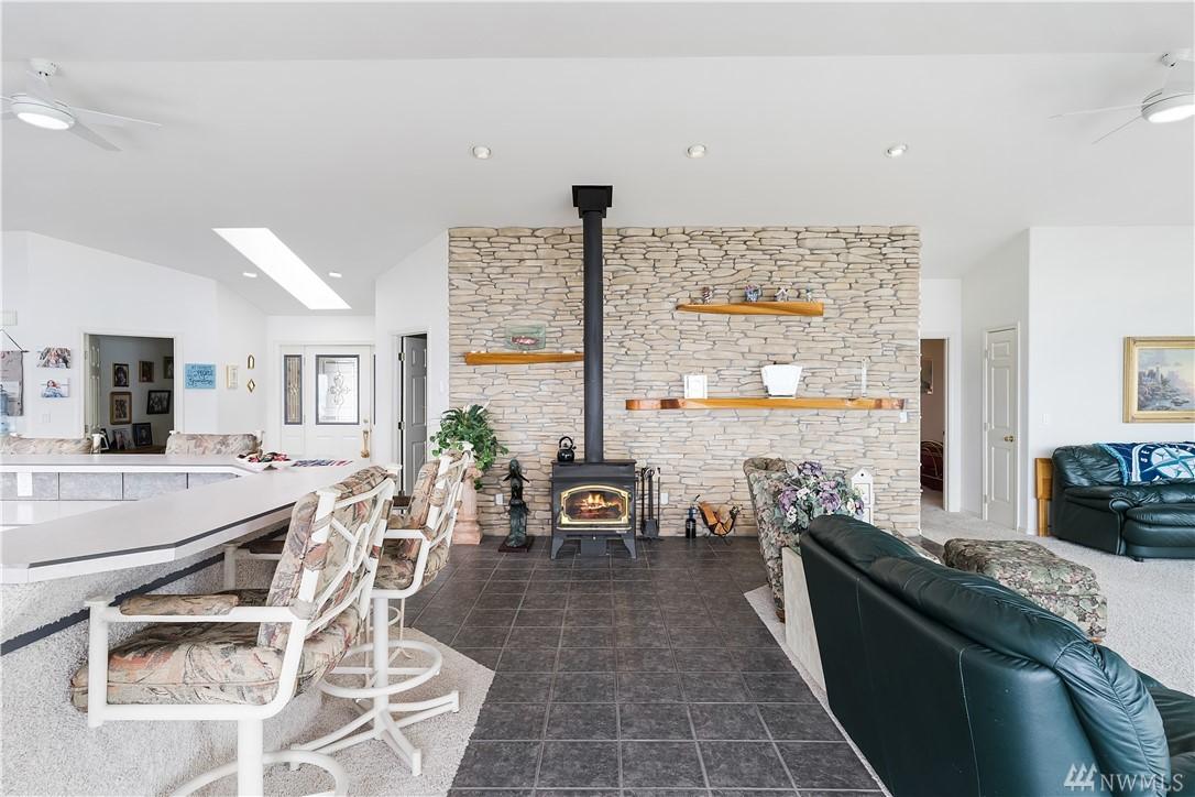 kitchen/Living Area/Wood Burning Stove