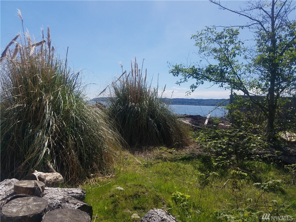 Hard to Find -  Great waterfront Lot on Private Island